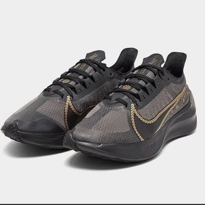 Nike Womens Zoom Gravity Icon Running Shoes